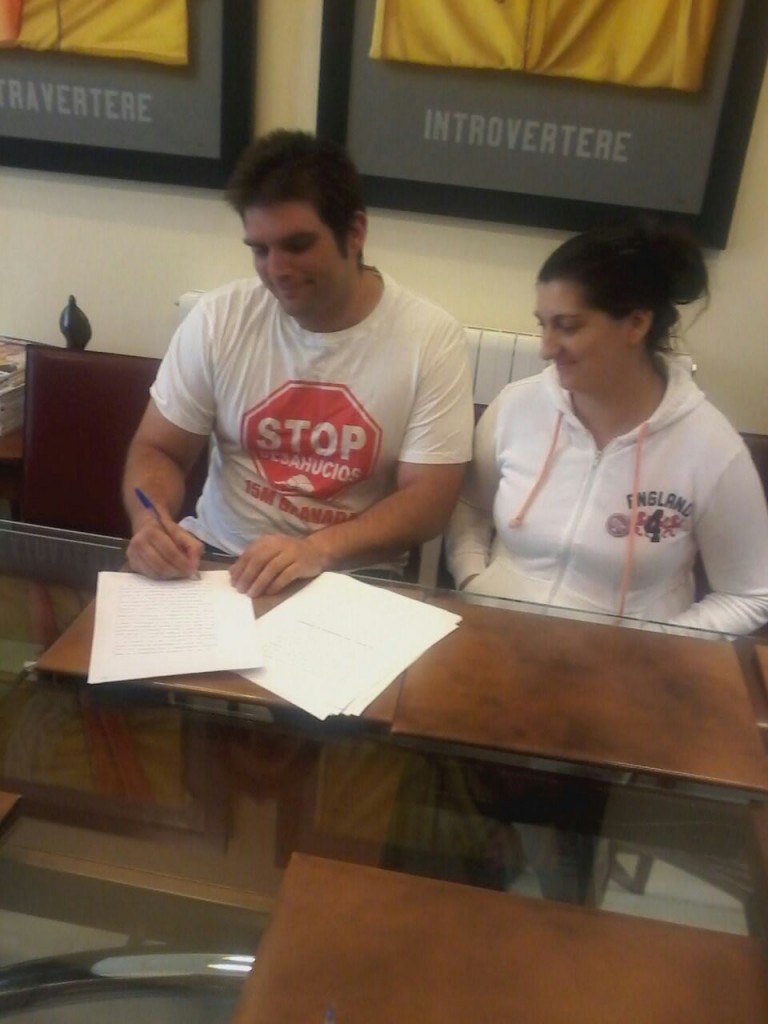Reestructuración FranciscoManuel y Matilde - Stop Desahucios Granada 15m 2
