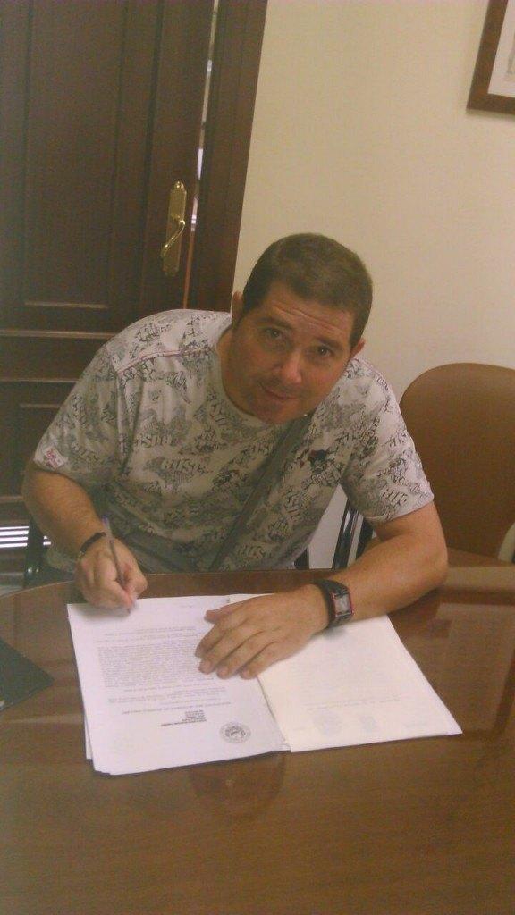 Firma de Francisco salvador - Stop Desahucios Granada 15M 1