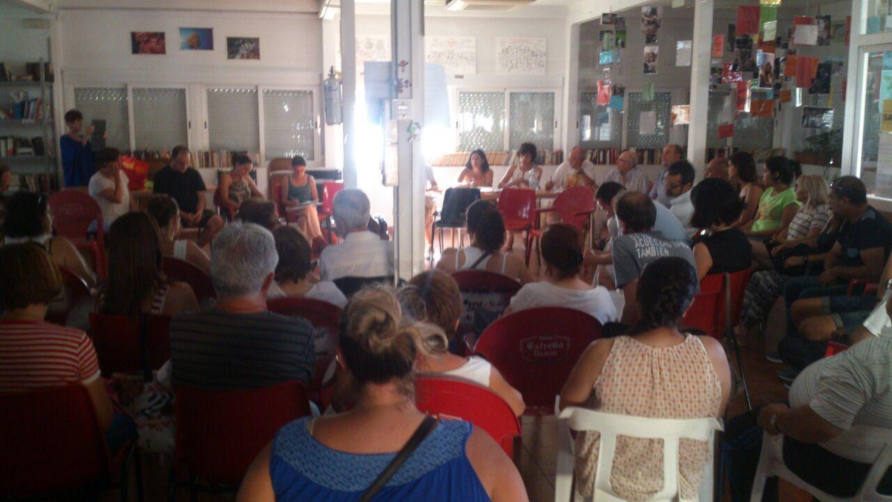 Asamblea Provincial de Stop Desahucios Granada en la Biblioteca de las Palomas
