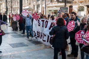 Stop Desahucios Granada en las puertas de la Caixa III