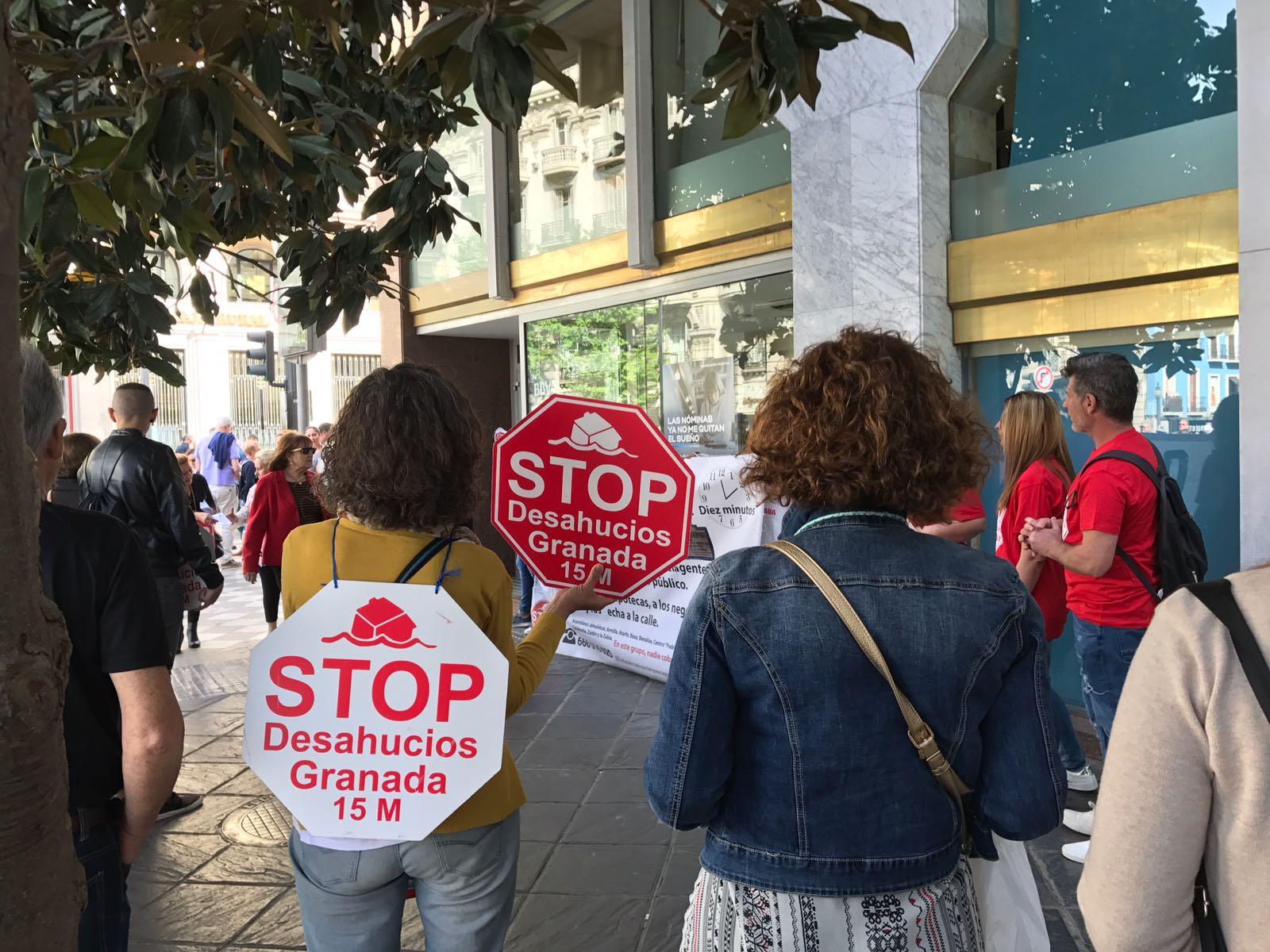 Acción en BBVA. Stop Desahucios Granada