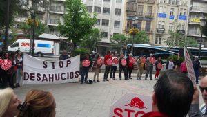 Stop Desahucios concentración contra el Popular