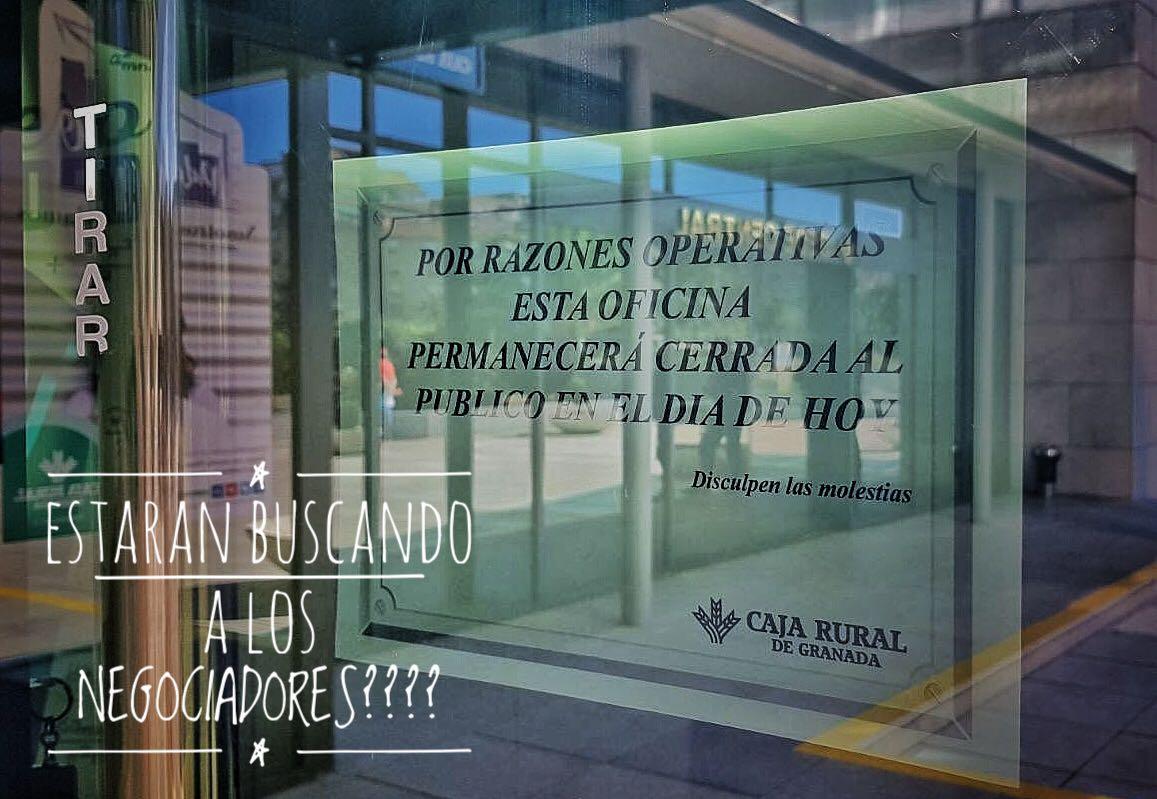 Caja rural granada cierra sus puertas stop desahucios for Caja rural granada oficinas